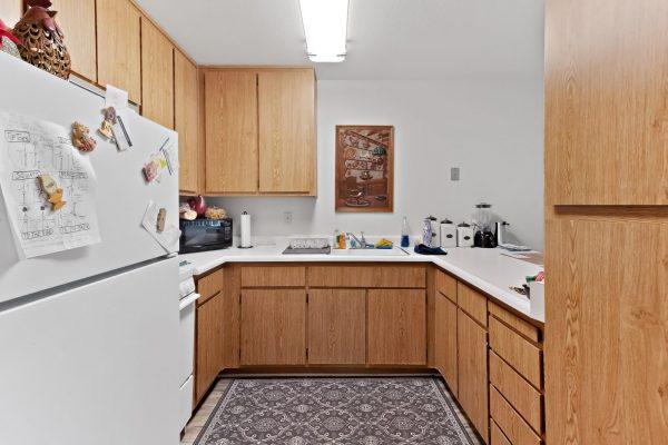 Spartan Manor Senior Apartments for rent in Modesto CA - Kitchen