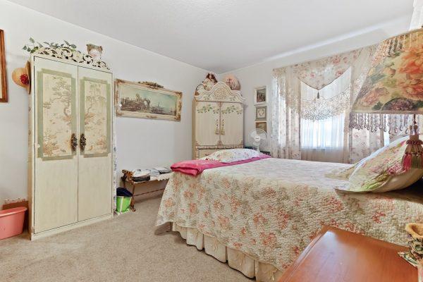 Spartan Manor Senior Apartments for rent in Modesto CA - Bedroom